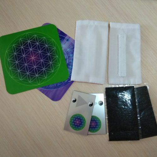Набор пластин с наногенератором